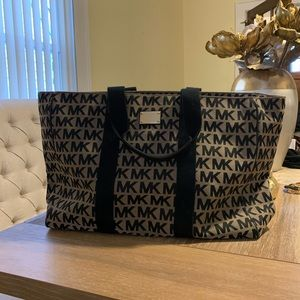 Oversized Michael Kors travel bag